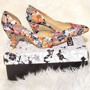New Floral Heels from CL by Laundry size 7/37.5